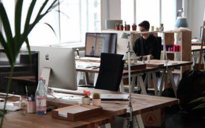 Køb udstyr til dit kontor på internettet